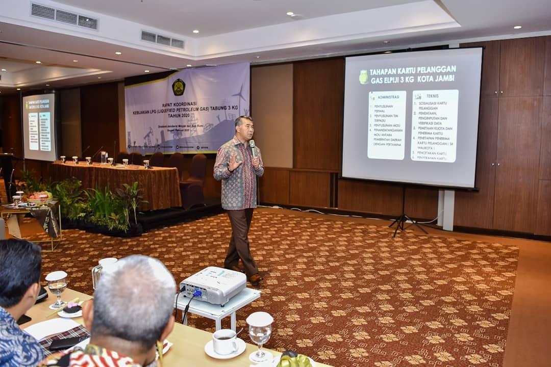 Wali Kota Jambi Dr. H. Syarif Fasha, ME Kembali Menjadi Role Model Nasional, Fasha yang sukses menciptakan inovasi Kartu Pelanggan Gas LPG (Liquified Petroleum Gas)